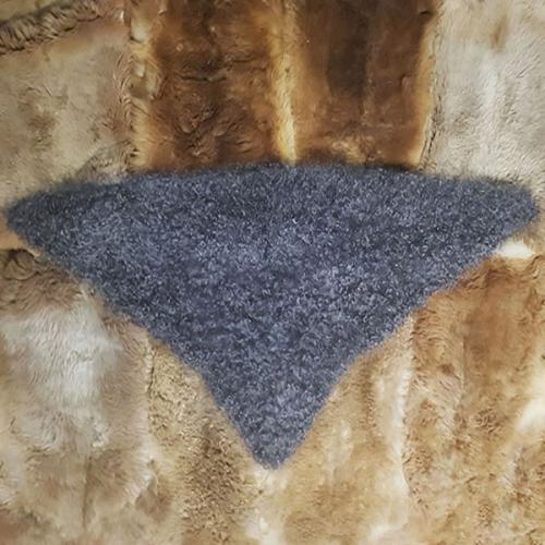 Косынка пуховая треугольная